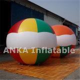 주문을 받아서 만들어진 크기를 가진 팽창식 입방체 헬륨 풍선