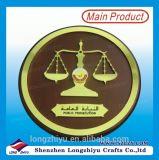 Placa de madera decorativa de la concesión con el soporte