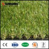 30mm庭の装飾のための屋外の総合的な草のカーペット5-8年のWarrantlyの
