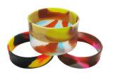 Fördernde multi Farbe gemischte Tarnung-Strudel-Zeichen Debossed SilikonWristbands