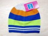 아기의 형식 다채로운 뜨개질을 한 베레모 모자