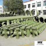 Instalación de tuberías de GRP - te para la conexión aflautada