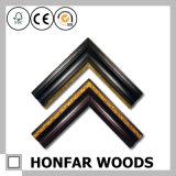 Cornice di legno della decorazione moderna dell'hotel