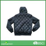 Куртка прокладки зимы способа с клобуком