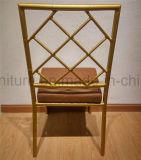 Silla de bambú de aluminio de la boda con el amortiguador de asiento y la parte posterior fijos de la cruz