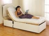 Einzelne Meldung, die justierbares Bett faltet