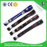 Kundenspezifischer Qualitäts-und Festival-Form-GewebeWristband