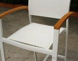 작은 술집 바 테이블 어린이 식사용 의자 고정되는 Batyline 메시 직물 백색 분말 입히는 알루미늄 옥외 안뜰 호텔 가구 갑판 4개 피스
