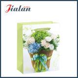 Glatter lamellierter Ivory Papierblumen-Form-Einkaufen-Geschenk-Papierbeutel