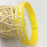 Wristbands poco costosi all'ingrosso su ordinazione all'ingrosso del silicone