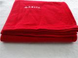 100% coperta lavorata a maglia poliestere con il marchio del ricamo