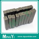 Les divers perforateurs carrés faits sur commande de numéro de lettre meurent le moulage
