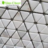 Мозаика камня мрамора золота Calacatta плитки мозаики треугольника
