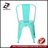 O metal contínuo da boa qualidade que janta a parte traseira do aço das cadeiras preside o azul antigo