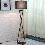 Indicatore luminoso decorativo moderno della lampada di pavimento del salone del LED