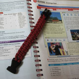 Form-SelbstResue DIY handgemachtes Überlebens-Armband