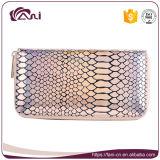 De zilveren Roze Beurs van de Portefeuille van de Huid van de Vissen van de Kleur, de Portefeuille van het Pit voor Vrouwen