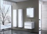 An der Wand befestigte doppelte Wannen-moderne europäische Entwurfs-Badezimmer-Schränke