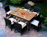 Mobilia quadrata resistente per qualsiasi tempo di figura che pranza insieme