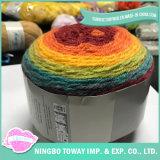 Laines acryliques mélangées multicolores épaisses tricotant à la main le filé