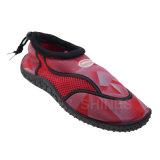 Línea zapatos del Aqua de la playa de los hombres de la impresión
