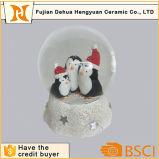 Глобус снежка сувенира глобуса воды Поли-Смолаы изготовленный на заказ
