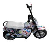 Mini scooter de moteur pour des gosses