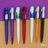 De nieuwe Pen van de Gift van de Ballpoint van de Reclame Plastic Promotie verkoopt