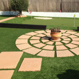 정원사 노릇을 하기를 위한 U 모양 인공적인 잔디