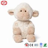 Animal mol se reposant de jouet d'agneau de Babara de ferme de peluche de miel de l'aurore