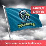 Новый полиэфир конструкции резвится флаг, рекламируя флаг