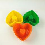 Taza de la torta del silicón de la dimensión de una variable del corazón