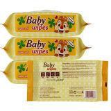 ぬれたワイプをきれいにしている赤ん坊の製品の子供はティッシュをぬらした