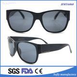 Soflying 2017の方法様式ミラーコーティング分極されたレンズTr90のカスタムロゴのサングラス