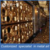別荘またはクラブのためのカスタマイズされた贅沢な金ステンレス鋼のカーテン・ウォールかBackgroudの壁