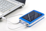 Mais recente LED Light Utral Slim Crystal LED Solar Power Bank