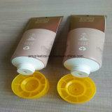 Tubo cosmético para la crema limpiadora facial