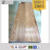 Plancher imperméable à l'eau de vinyle de PVC des graines en bois pour le bureau, salle d'exposition, chambre à coucher