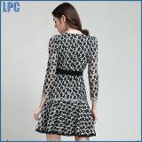 Выполненное на заказ платье способа с поясом шкафута для одежд женщин