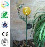 나비를 가진 태양 에너지 꽃 모양 금속 정원 지팡이 기술