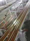 Producción plástica del azulejo de mármol artificial de la tira del PVC que saca haciendo la maquinaria