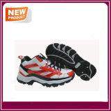 人のスニーカーの通気性の運動屋外スポーツの運動靴