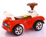 Carro do balanço dos miúdos com os brinquedos do carro elétrico do bebê da música