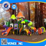 A alta qualidade caçoa o campo de jogos plástico da forma impressionante favorita do preço do competidor, Yl-K132