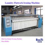 Hojas de lavandería del hotel máquina de planchar