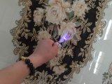 De opgepoetste Gouden Tegels van het Tapijt van de Vloer van het Porselein van het Kristal