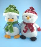 Bonhomme de neige et pingouin de jouet de peluche de cadeau de Noël