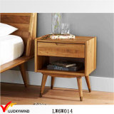 Tabella laterale francese antica piccolo Nightstands di legno del Brown