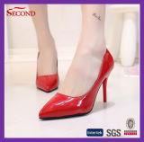 赤いカラーPUの女性の方法靴
