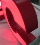 Letra de canaleta vermelha iluminada diodo emissor de luz dimensional escovada do metal 3D de Stainlessteel
